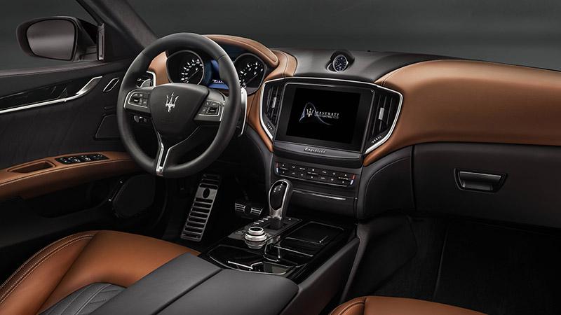 Maserati Ghibli Q4 >> 新型マセラティ ギブリはエルメネジルド ゼニアの内装も豪華! | CAR&WATCH | UOMO | WEBUOMO