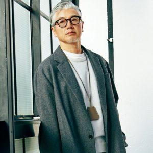 2a07f9f17447e 理想の50歳男子は「髪から爪先までグレーだけ」白髪とファッションの方程式