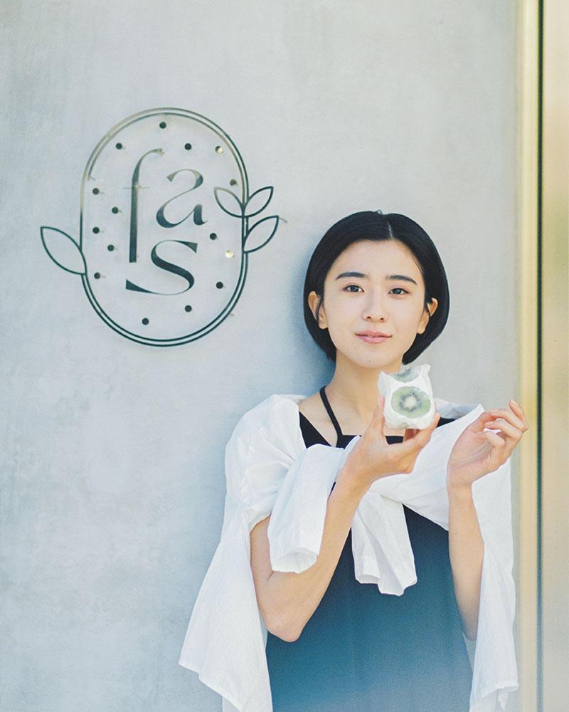 黒島結菜_fruits and season_02